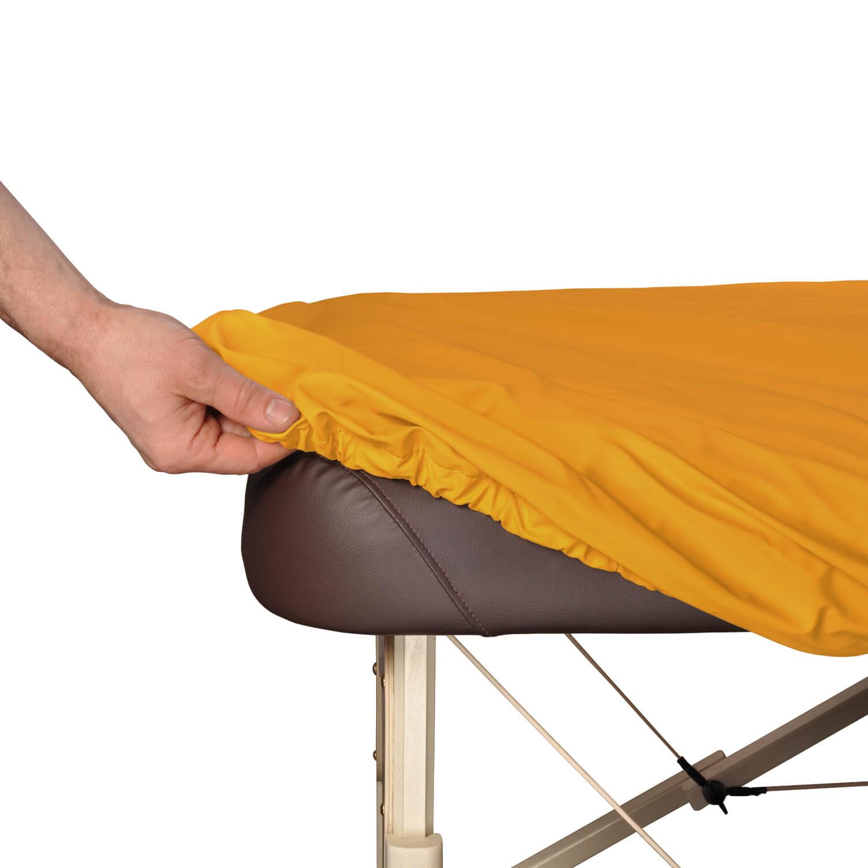 Schonbezug auf Massageliege
