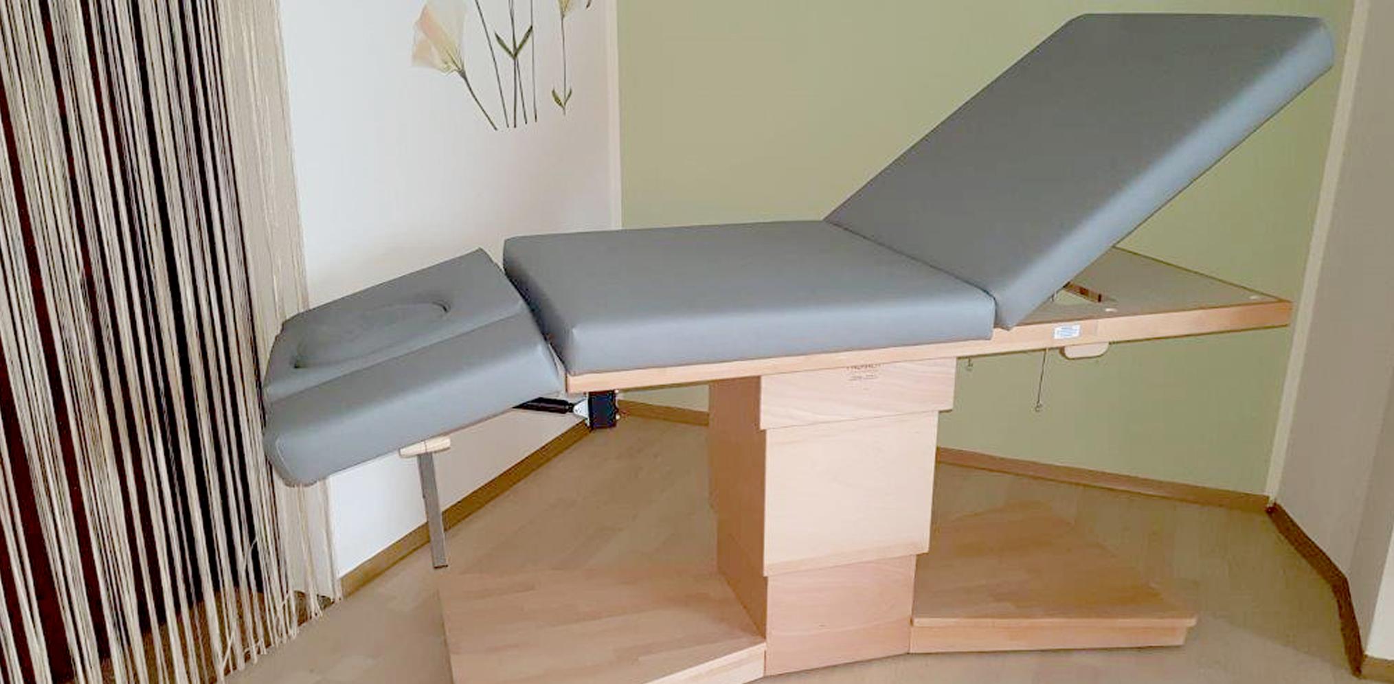Massageliege und Wellnessliege Well-Lux - Falkner